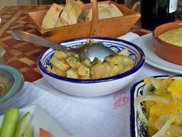 Salade provençale de panais. Source : http://data.abuledu.org/URI/504f931b-salade-provencale-de-panais