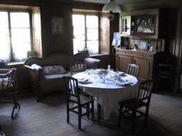 Salle à manger de la Ferme Jacquemot. Source : http://data.abuledu.org/URI/54a497ed-salle-a-manger-de-la-ferme-jacquemot