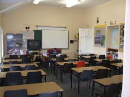 Salle de classe avec vidéo projecteur en Irlande. Source : http://data.abuledu.org/URI/532f18aa-salle-de-classe-avec-video-projecteur-en-irlande