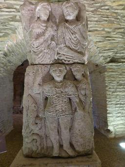 Salle gallo-romaine au musée archéologique de Dijon. Source : http://data.abuledu.org/URI/5820cecd-salle-gallo-romaine-au-musee-archeologique-de-dijon