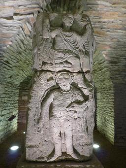 Salle gallo-romaine au musée archéologique de Dijon. Source : http://data.abuledu.org/URI/5820cef7-salle-gallo-romaine-au-musee-archeologique-de-dijon
