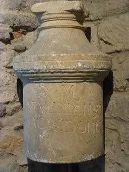 Salle gallo-romaine au musée archéologique de Dijon. Source : http://data.abuledu.org/URI/5820d066-salle-gallo-romaine-au-musee-archeologique-de-dijon
