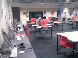 Salle multimédia en Nouvelle-Zélande. Source : http://data.abuledu.org/URI/529d06e6-salle-multimedia-en-nouvelle-zelande