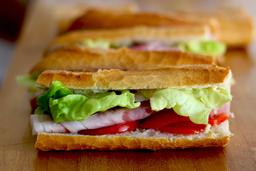Sandwich. Source : http://data.abuledu.org/URI/508e688d-sandwich