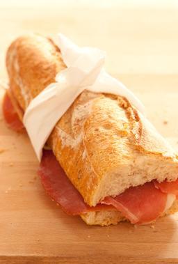 Sandwich jambon beurre. Source : http://data.abuledu.org/URI/501e3b3d-sandwich-jambon-beurre