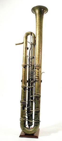 Sarrussophone. Source : http://data.abuledu.org/URI/511270ee-sarrussophone