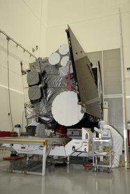 Satellite de météorologie avant lancement. Source : http://data.abuledu.org/URI/53ade185-satellite-de-meteorologie-avant-lancement