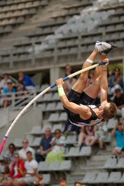 Saut à la perche décathlon. Source : http://data.abuledu.org/URI/5347068e-saut-a-la-perche-decathlon