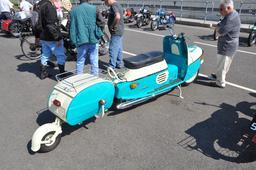 Scooter à remorque en 2009. Source : http://data.abuledu.org/URI/58e6b45a-scooter-a-remorque-en-2009