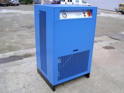 Sécheur d'air comprimé frigorifique. Source : http://data.abuledu.org/URI/5425dca9-secheur-d-air-comprime-frigorifique