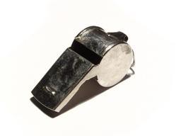 Sifflet métallique à roulette. Source : http://data.abuledu.org/URI/503e6af1-sifflet-metallique-a-roulette