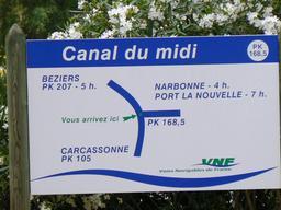 Sigalisation sur le canal du Midi. Source : http://data.abuledu.org/URI/56c97464-sigalisation-sur-le-canal-du-midi