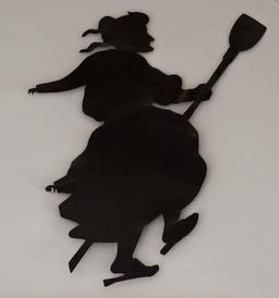 Silhouette de sorcière. Source : http://data.abuledu.org/URI/514e3aa5-silhouette-de-sorciere
