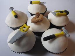 Six gâteaux fantaisie. Source : http://data.abuledu.org/URI/5411ffa1-six-gateaux-fantaisie