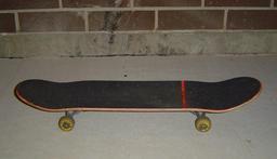 Skateboard. Source : http://data.abuledu.org/URI/51b731b8-skateboard