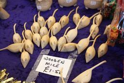 Souris en bois. Source : http://data.abuledu.org/URI/52ec2e2d-souris-en-bois
