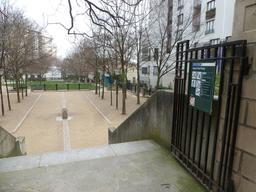 Square Paul-Paray à Paris. Source : http://data.abuledu.org/URI/58c66312-square-paul-paray-a-paris