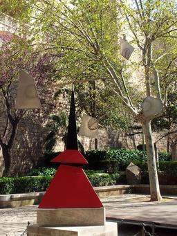 Stabile de Calder à Palma de Majorque. Source : http://data.abuledu.org/URI/541eddc2-stabile-de-calder-a-palma-de-majorque