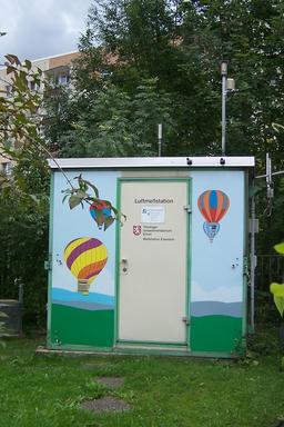 Station de surveillance de la qualité de l'air en Allemagne. Source : http://data.abuledu.org/URI/59529114-station-de-surveillance-de-la-qualite-de-l-air-en-allemagne