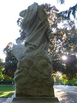 Statue au jardin Darcy à Dijon. Source : http://data.abuledu.org/URI/582041f1-statue-au-jardin-darcy-a-dijon-