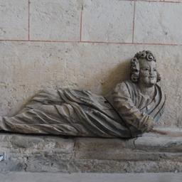 Statue dans l'église de Saint-Macaire-33. Source : http://data.abuledu.org/URI/599a9cd3-statue-dans-l-eglise-de-saint-macaire-33