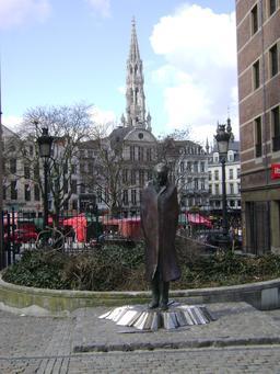 Statue de Béla Bartók à Bruxelles. Source : http://data.abuledu.org/URI/53b57cfb-statue-de-bela-bart-k-a-bruxelles