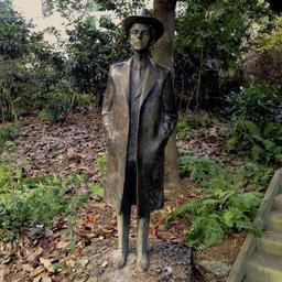 Statue de Bela Bartok à Paris. Source : http://data.abuledu.org/URI/53b57db0-statue-de-bela-bartok-a-paris