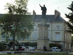 Statue de Bernard de Clairvaux. Source : http://data.abuledu.org/URI/59266968-statue-de-bernard-de-clairvaux