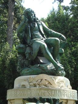 Statue de Bernardin de Saint-Pierre. Source : http://data.abuledu.org/URI/5103f00f-statue-de-bernardin-de-saint-pierre