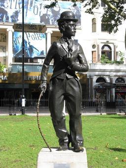 Statue de Charlie Chaplin. Source : http://data.abuledu.org/URI/52fa5ff4-statue-de-charlie-chaplin