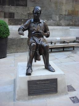 Statue de cordonnier à Londres. Source : http://data.abuledu.org/URI/52fb5098-statue-de-cordonnier-a-londres