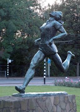 Statue de Fanny Blankers à Rotterdam. Source : http://data.abuledu.org/URI/54737d6b-statue-de-fanny-blankers-a-rotterdam