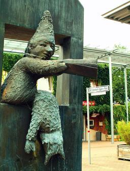 Statue de Kasperle à Hanovre. Source : http://data.abuledu.org/URI/52e2f9b8-statue-de-kasperle-a-hanovre
