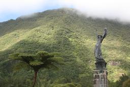 Statue de l'Âme de la France à La Réunion. Source : http://data.abuledu.org/URI/543ec949-statue-de-l-ame-de-la-france-a-la-reunion