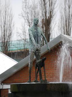 Statue de l'aveugle et son chien. Source : http://data.abuledu.org/URI/5654963f-statue-de-l-aveugle-et-son-chien