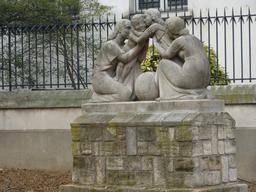 Statue de la réconciliation. Source : http://data.abuledu.org/URI/5339ba33-statue-de-la-reconciliation