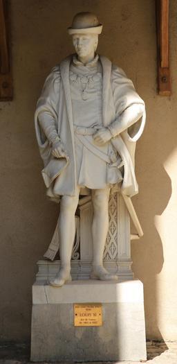 Statue de Louis XI à Amboise. Source : http://data.abuledu.org/URI/55cc60c3-statue-de-louis-xi-a-amboise