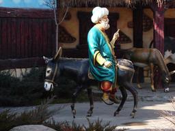 Statue de Nasrettin sur son âne à Ankara. Source : http://data.abuledu.org/URI/54a188b9-statue-de-nasrettin-sur-son-ane-a-ankara