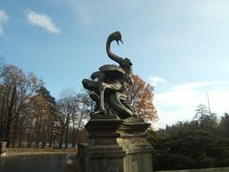Statue de pélican en Pologne. Source : http://data.abuledu.org/URI/53e39d7e-statue-de-pelican-en-pologne