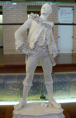Statue de Pierrot. Source : http://data.abuledu.org/URI/54a86b42-statue-de-pierrot