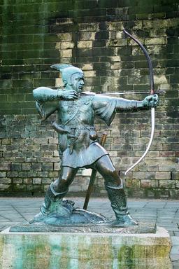 Statue de Robin des Bois. Source : http://data.abuledu.org/URI/52701243-statue-de-robin-des-bois