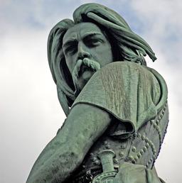Statue de Vercingétorix. Source : http://data.abuledu.org/URI/50eab231-statue-de-vercingetorix