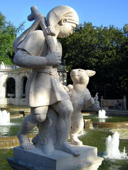 Statue du chat botté et de son maître. Source : http://data.abuledu.org/URI/5346ef28-statue-du-chat-botte-et-de-son-maitre
