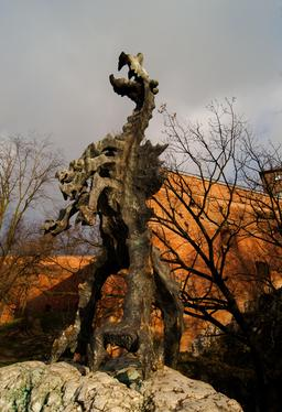 Statue du dragon de Cracovie. Source : http://data.abuledu.org/URI/55104802-statue-du-dragon-de-cracovie