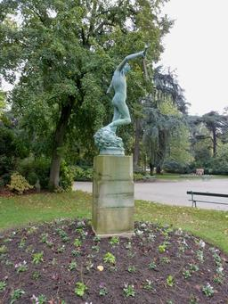Statue en bronze au parc botanique de Toulouse. Source : http://data.abuledu.org/URI/5828cd4d-statue-en-bronze-au-parc-botanique-de-toulouse