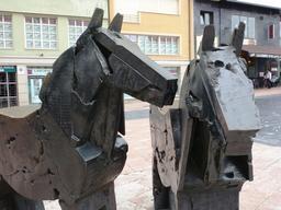 Statues de poney Asturcón à Oviedo. Source : http://data.abuledu.org/URI/55ddfa81-statues-de-poney-asturc-n-a-oviedo