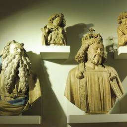 Statues du puits de Moïse au musée des beaux-arts de Dijon. Source : http://data.abuledu.org/URI/59d6a793-statues-du-puits-de-moise-au-musee-des-beaux-arts-de-dijon