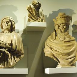 Statues du puits de Moïse au musée des beaux-arts de Dijon. Source : http://data.abuledu.org/URI/59d6a7a4-statues-du-puits-de-moise-au-musee-des-beaux-arts-de-dijon