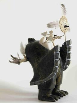 Statuette de chaman. Source : http://data.abuledu.org/URI/51337c13-statuette-de-chaman