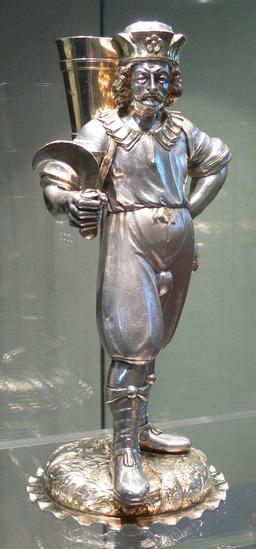 Statuette de vigneron du 17ème siècle. Source : http://data.abuledu.org/URI/52742e82-statuette-de-vigneron-du-17eme-siecle